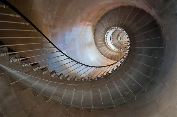 escalier tonin.jpg