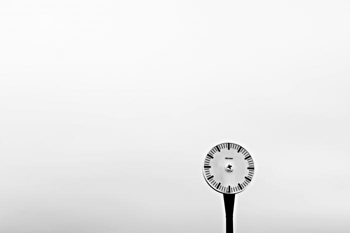 steafano biancu,horloge,temps,modenité,technicité,heidedgger,philosophie